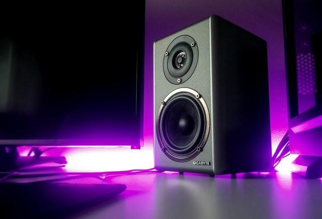 Does feedback damage speakers