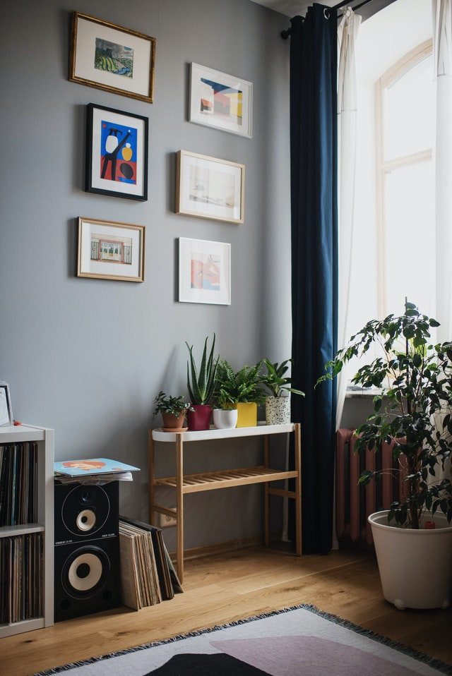 Subwoofer gets bass reinforcements from back walls and sidewalls