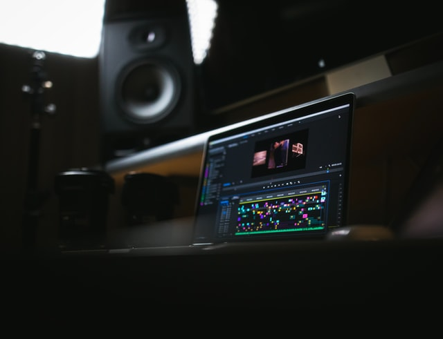 Best Amp for Monitor Audio Silver 300