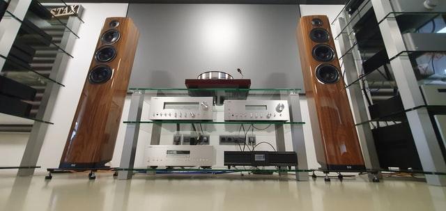 KEF R500 Amplifier