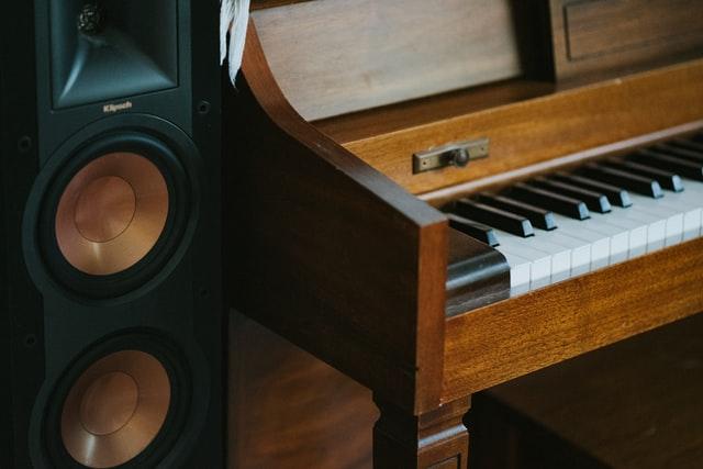Klipsch R-820F Amplifier