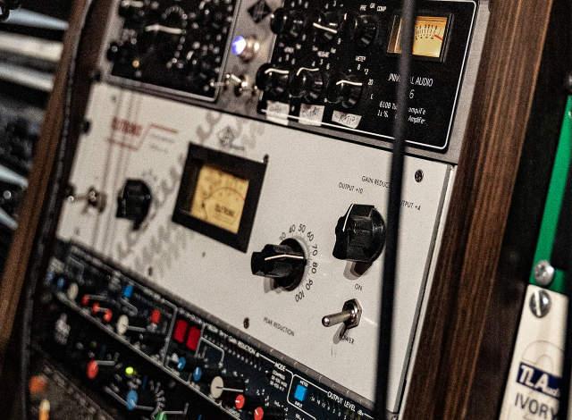 Fyne Audio F302 Amplifier